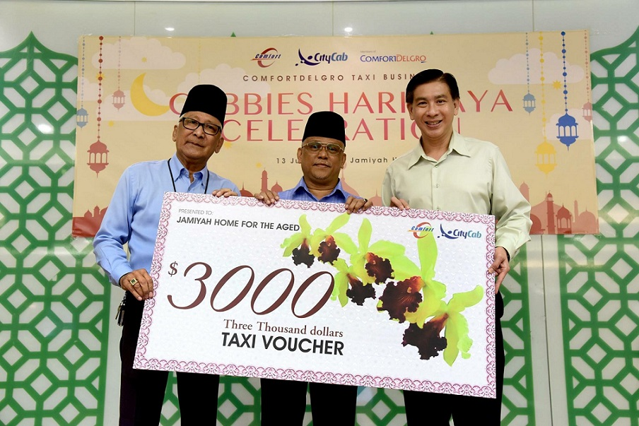 ComfortDelGro Taxi Celebrates Hari Raya With Underprivileged Seniors For The First Time; Donates $3000 Taxi Vouchers