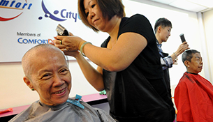 ComfortDelGro Cabbies Go Bald In Support Of Children With Cancer
